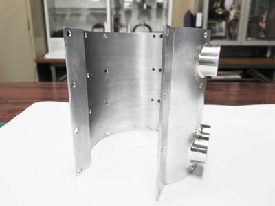 マシニング加工 角ブロック素材全加工し